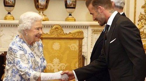 La Familia Real Británica hace oficial su perdón a David Beckham en la boda del Príncipe Harry y Meghan Markle