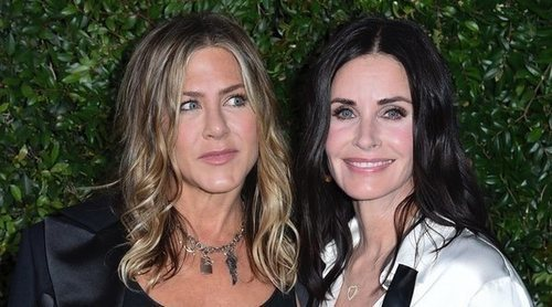 Jennifer Aniston será la dama de honor en la boda de su amiga Courteney Cox
