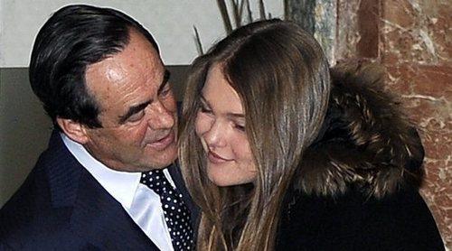 Sofía, la hija pequeña de José Bono, se gradúa en Suiza con la gran ausencia de su hermana Amelia