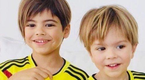 Shakira apoya a la selección de Colombia vistiendo a Milan y Sasha con la equipación del país