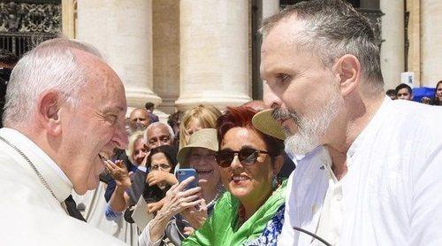 Miguel Bosé se encuentra con el Papa Francisco tras salir a la luz sus deudas con Hacienda