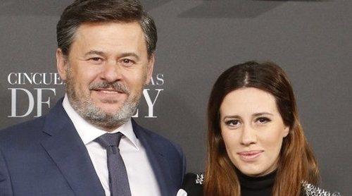 Carola Escámez publica una foto junto a Miki Nadal y su hija después de la denuncia de su madre