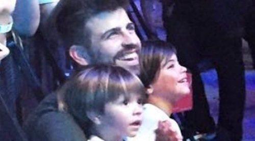 Milan, Sasha y Gerard Piqué, fans número uno de Shakira durante sus conciertos en Barcelona