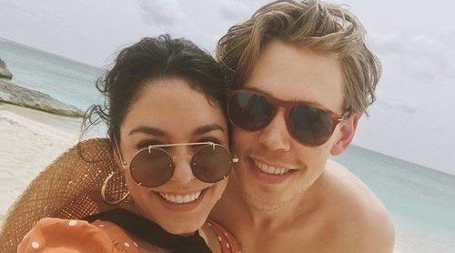 Las románticas vacaciones de Vanessa Hudgens y Austin Butler en las Islas Turcas y Caicos