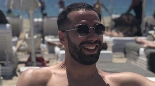 Dani Carvajal se divierte en Ibiza con amigos ajeno a su romance con Lucía Villalón
