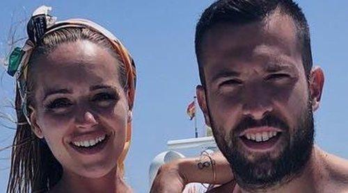 Romarey Ventura y Jordi Alba disfrutan de unas románticas vacaciones en Ibiza