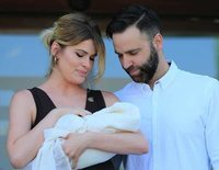 Adriana Abenia y Sergio Abad presentan muy emocionados a su hija Luna