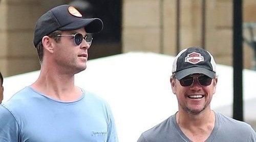 Chris Hemsworth y Matt Damon, solos por San Sebastián mientras Elsa Pataky se va de paseo con sus hijos