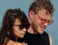 Emily Ratajkowski luce cuerpazo en Miami junto a su marido Sebastian Bear-McClard