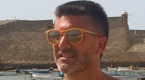 Toño Sanchís, feliz y relajado en sus vacaciones en Cadiz con la deuda a Belén Esteban todavía sin saldar