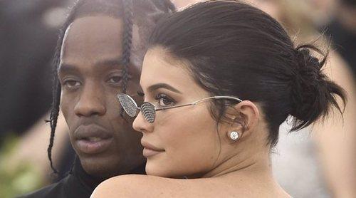 La aparición celestial de Kylie Jenner en el nuevo videoclip de Travis Scott