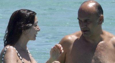 Ana Rosa Quintana y Juan Muñoz retoman sus vacaciones tras la detención del empresario