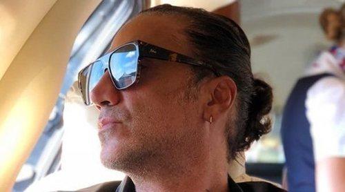 Alejandro Fernández, expulsado de un avión por ir con unas cuantas copas de más