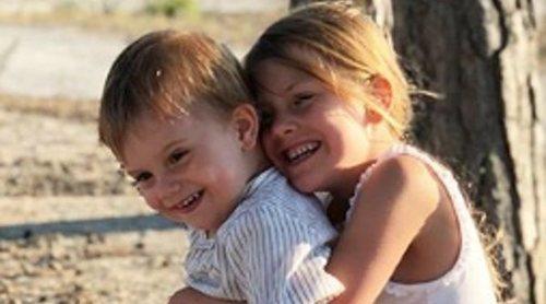 Estela y Óscar de Suecia acaparan todo el protagonismo en las fotografías veraniegas de la Familia Real Sueca