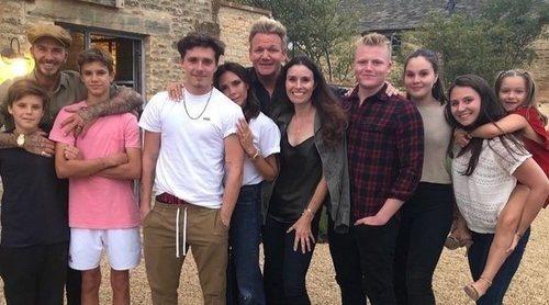 La familia Beckham y la Ramsay celebran juntos el cumpleaños de la mujer del chef Gordon Ramsay