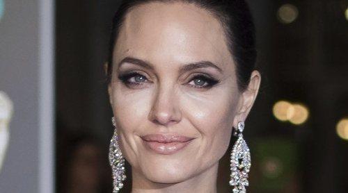 Angelina Jolie despide a su abogada con la finalidad de dejar de ser la mala en el divorcio con Brad Pitt
