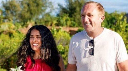 Salma Hayek y François-Henri Pinault renuevan sus votos matrimoniales por sorpresa en Bora Bora