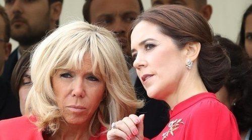 Vestidos rojos, tiaras y mucha complicidad en la visita de los Macron a la Familia Real Danesa