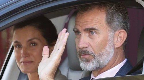 Los Reyes Felipe y Letizia se llevan todo el protagonismo en la vuelta al cole de la Princesa Leonor y la Infanta Sofía