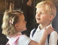 Así ha sido el ilusionante primer día de colegio de los Príncipe Jacques y Gabriella de Mónaco