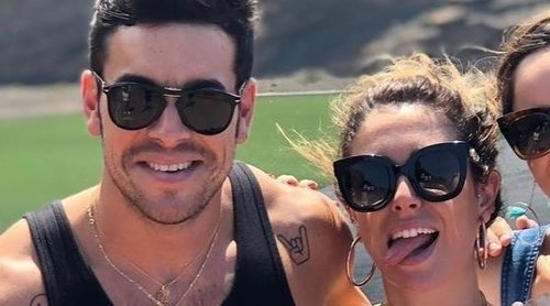 Mario Casas y Blanca Suárez disfrutan de unas vacaciones con amigos en Lanzarote