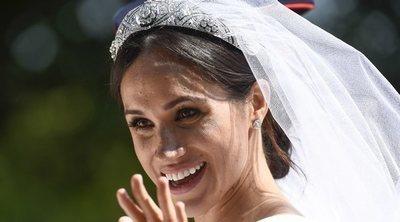 El gran secreto del vestido de novia de Meghan Markle vinculado con su primera cita con el Príncipe Harry