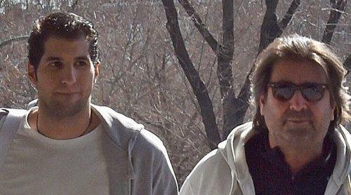 Julián Contreras y su padre, desahuciados por el impago del alquiler de su vivienda