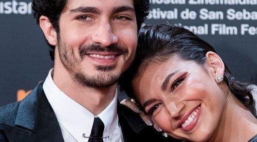 Úrsula Corberó y Chino Darín, pura complicidad en la alfombra roja del Festival de San Sebastián