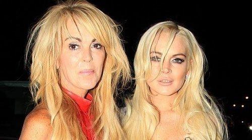 La madre de Lindsay Lohan se declara en bancarrota