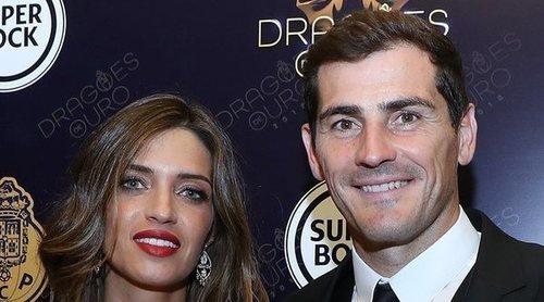 Sara Carbonero, radiante para acompañar a Iker Casillas recogiendo el galardón a Mejor Atleta del Año