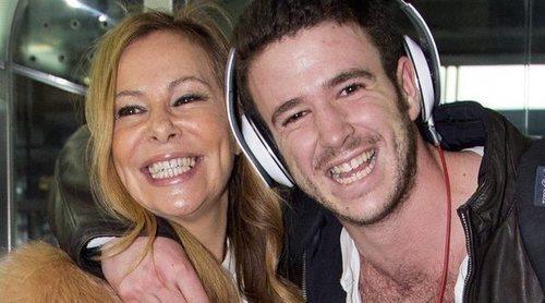 La foto con mucho 'love' de Ana Obregón y Álex Lequio para agradecer todo el apoyo recibido