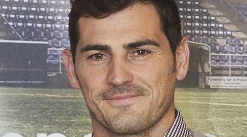 Iker Casillas, 'atacado' por un animal mientras disfrutaba de una rica comida en Oporto