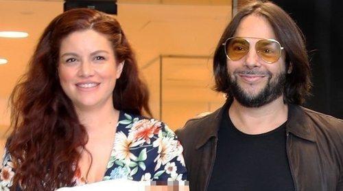 Joaquín Cortés y Mónica Moreno presentan a su hijo Romeo: 'Parece un muñequito'