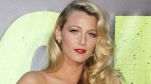 Blake Lively y Salma Hayek deslumbran en el estreno de 'Salvajes' en Los Ángeles