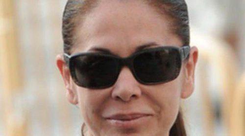 Isabel Pantoja se enfrenta al juicio por el 'caso Malaya' arropada por Raquel Bollo y su sobrina Anabel