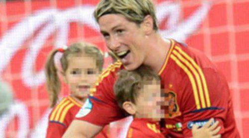Los hijos de Fernando Torres y Pepe Reina roban protagonismo a sus padres tras la victoria de España en la Eurocopa 2012