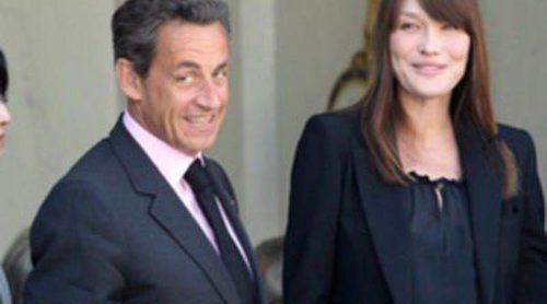 El escándalo Bettencourt fuerza un registro en casa de Nicolas Sarkozy y Carla Bruni