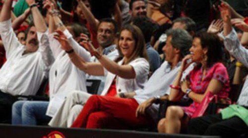 La Infanta Elena, Christian Gálvez y Ana Pastor apoyan a La Roja de Baloncesto en su preparación para Londres 2012