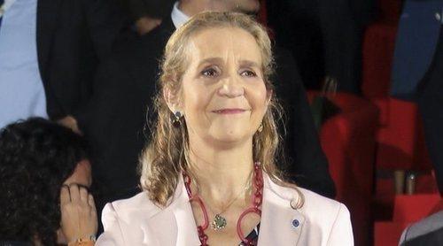 La Infanta Elena vuelve a la actividad oficial retomando una vieja tradición: inaugurar el SICAB