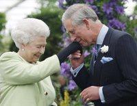 Así ha sido la emotiva felicitación de la Reina Isabel II al Príncipe Carlos por su 70 cumpleaños