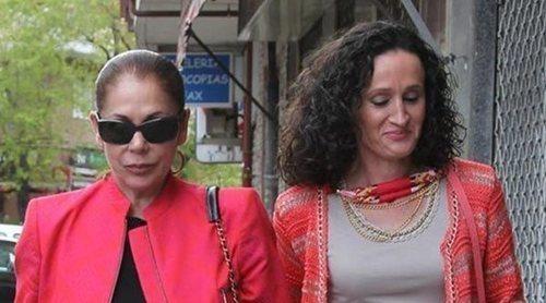 Isabel Pantoja demanda a Dulce y le reclama 150.000 euros
