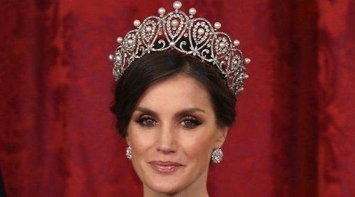 Cena de gala al Presidente de China: del estreno de la tiara Rusa para la Reina Letizia al debut de Begoña Gómez