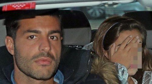 Paula Echevarría, Miguel Torres y Daniella Bustamante regresan a Madrid después de un fin de semana en Málaga