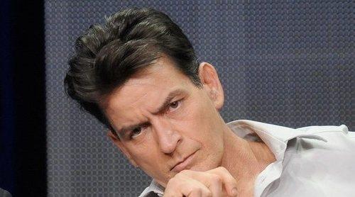 Charlie Sheen celebra que lleva un año libre de drogas y alcohol