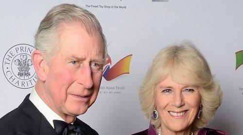El Príncipe Carlos y Camilla Parker comparten una emotiva fotografía para felicitar la Navidad