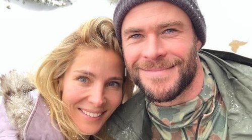 Chris Hemsworth y Elsa Pataky despiden 2018 en la nieve junto a Miley Cyrus y Liam Hemsworth