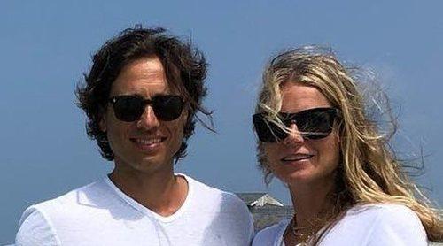 Gwyneth Paltrow pasa una romántica luna de miel con dos acompañantes, su marido y su exmarido