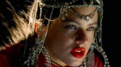 Rosalía le planta cara a la violencia de género en el videoclip de su nuevo single, 'De aquí no sales'