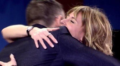 El abrazo de la paz de Emma García y Risto Mejide en 'Viva la vida'