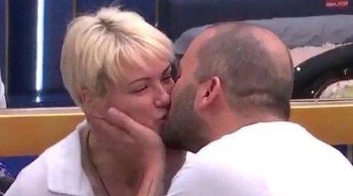 María Jesús Ruiz y Antonio Tejado se han besado en 'GH DÚO': 'Para mí hay un punto y aparte desde esta noche'